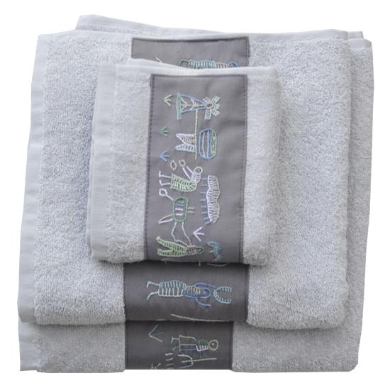 Badkamer: Set of 3 towels (grey) with village motifs embroidered strip