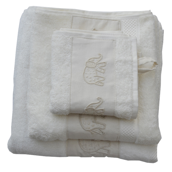 Badkamer: Set of 3 towels (beige) with elephant-embroidered strip